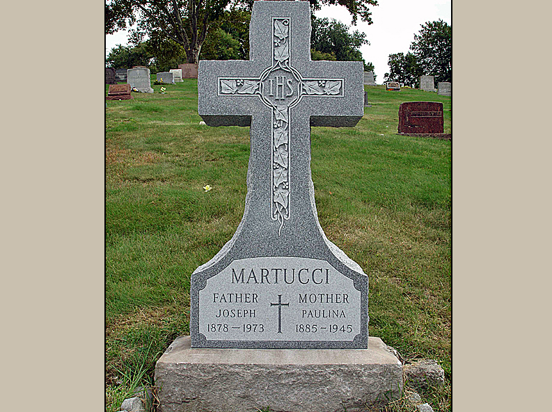 Cross Style Cemetery Upright Monument For Martucci Rome